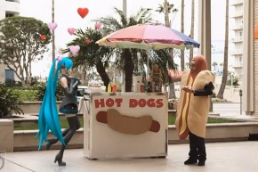 miku-loves-hotdogs